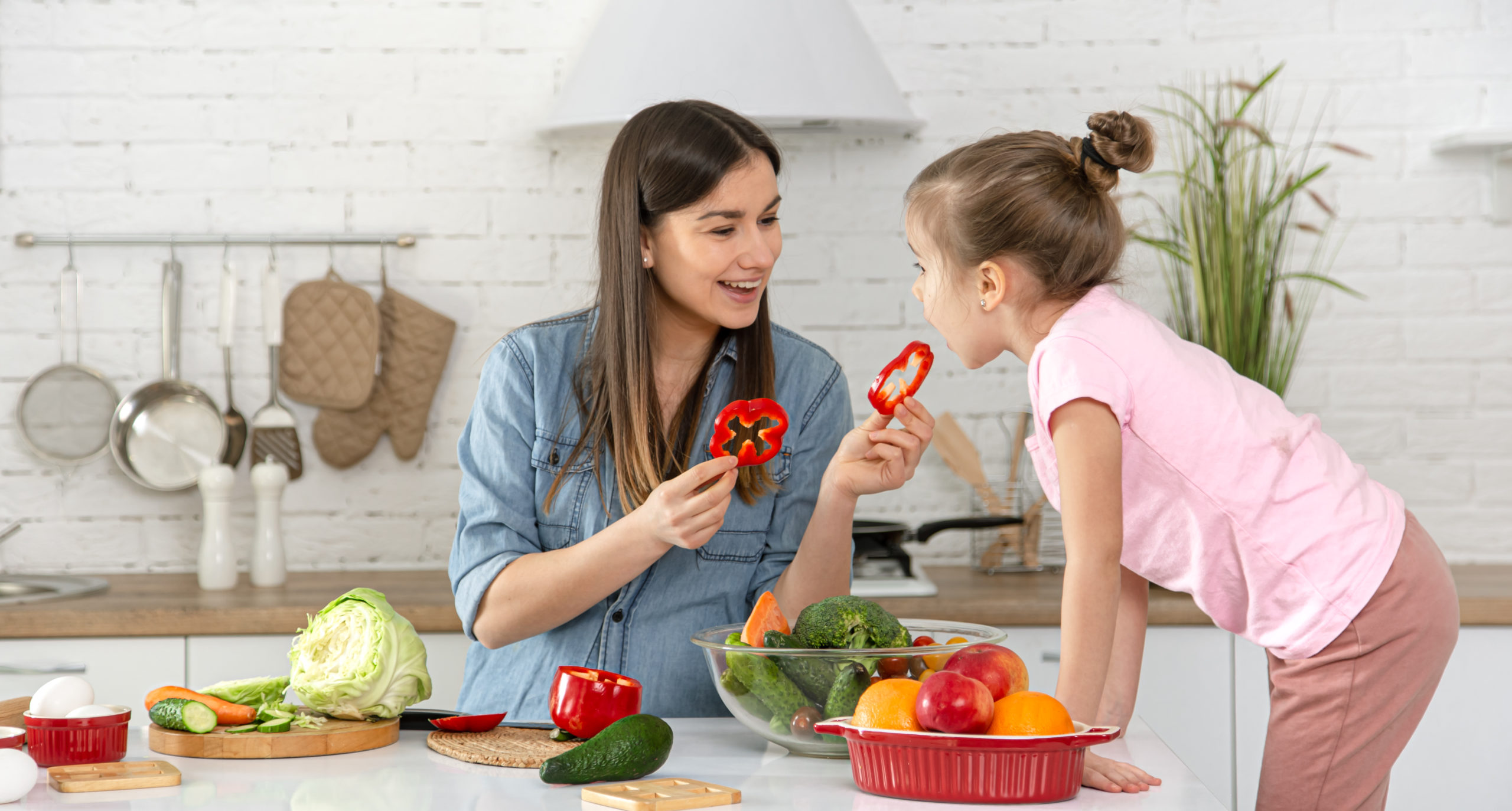 9 Must-Eat Nutrients for Your Child